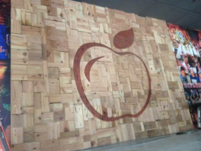 reclaimed salvaged antique wood feature wall in new york city applebee's restaurant