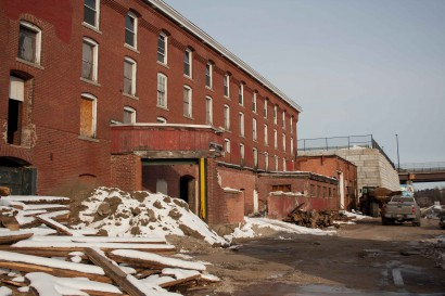 outside of amoskeag mill number 12 annex building in manchester new hampshire
