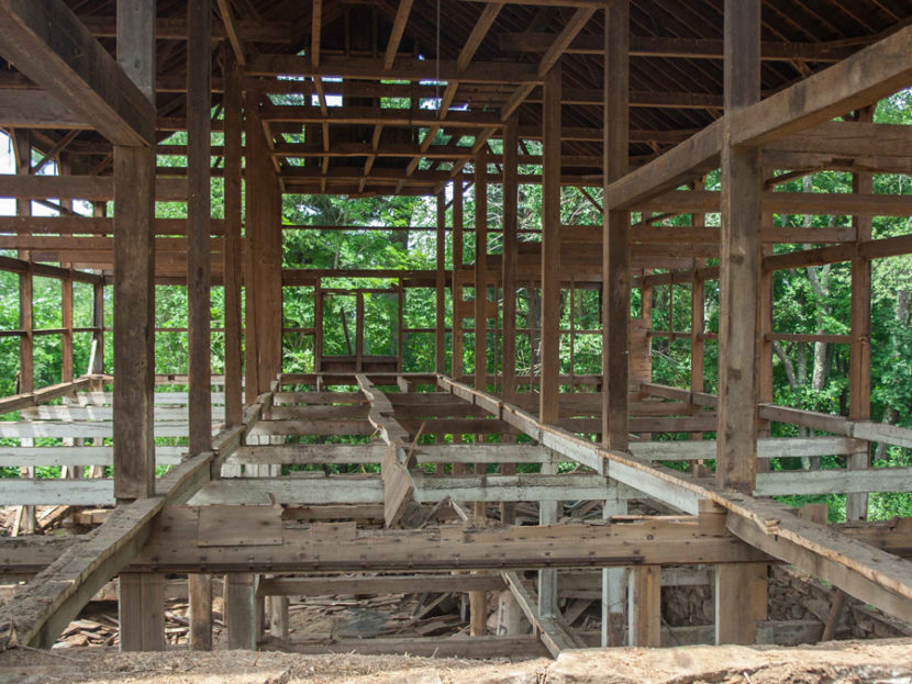 New Braintree, MA - Antique Barn With Hemlock Beams Dismantling