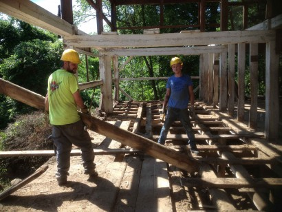 Salvaging Reclaimed American Chestnut Beams