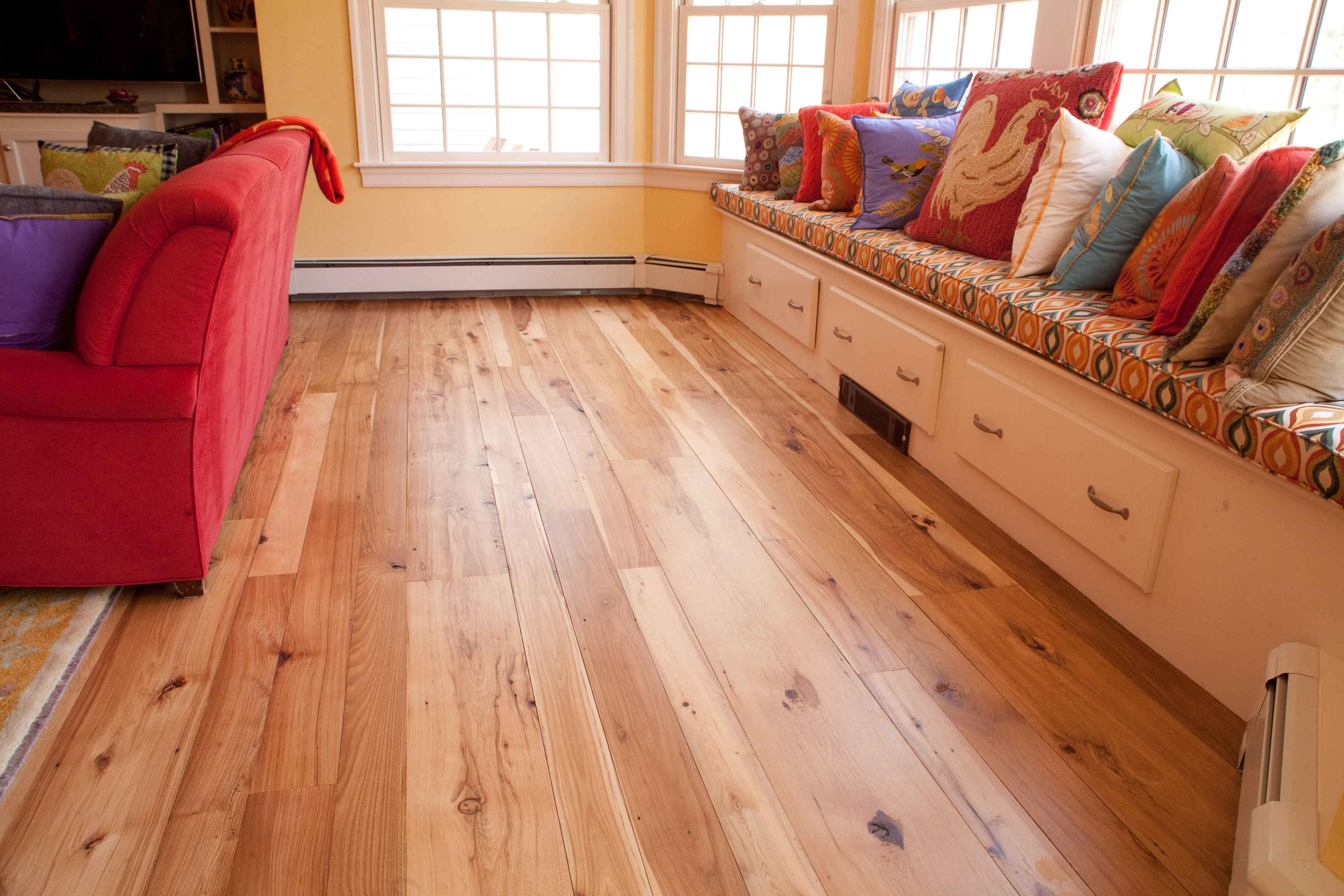 Longleaf Lumber - Reclaimed Hickory Mixed-Width Reclaimed Flooring