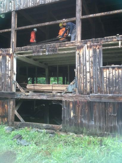 Reclaiming Barn Siding in New Braintree