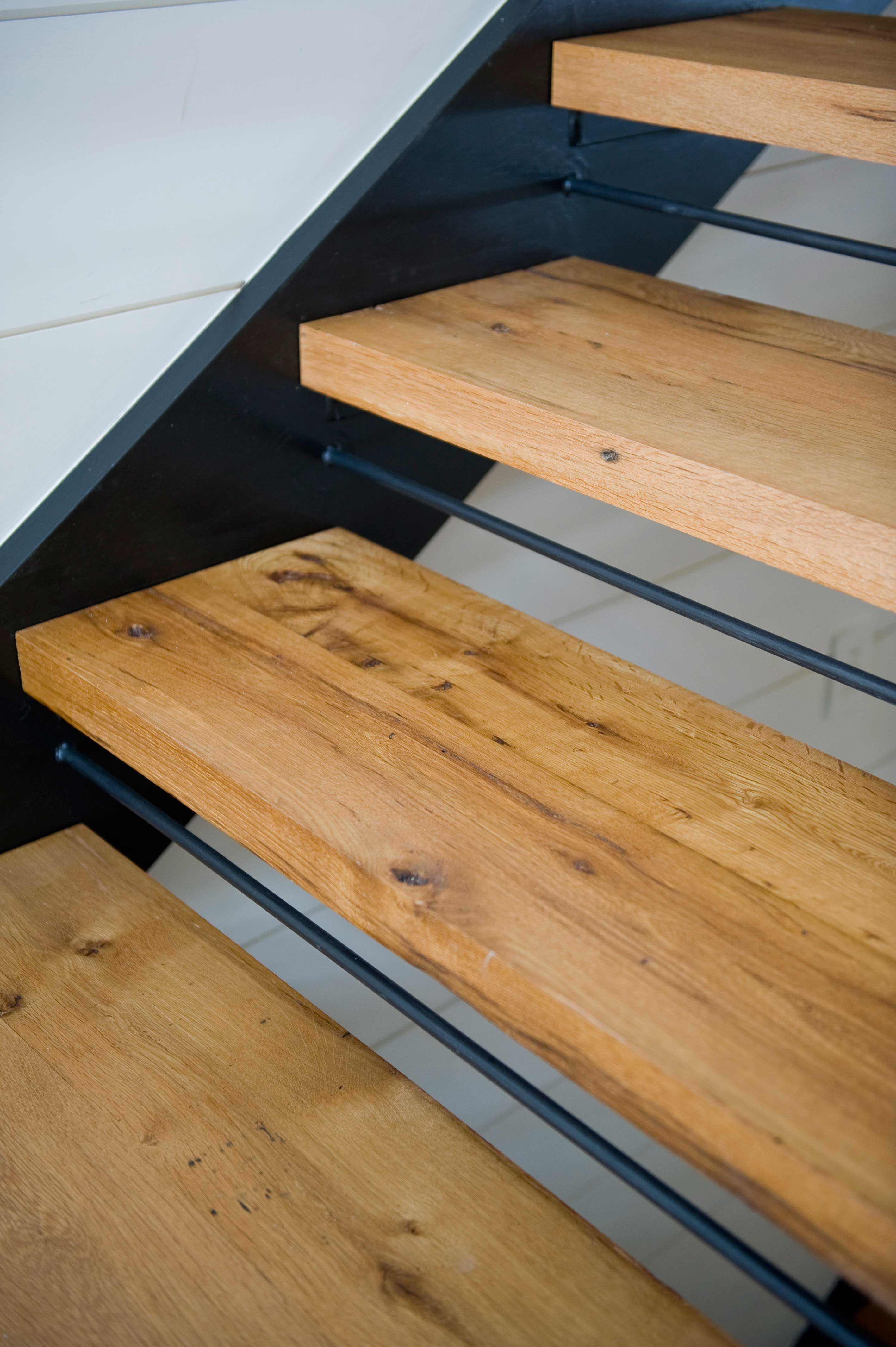 Superbe Reclaimed White Oak Stair Treads